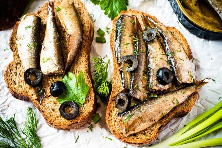 Aperitivos con sardinas: 4 recetas fáciles y económicas