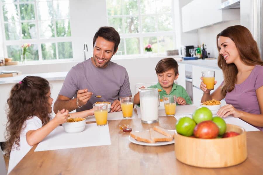 El desayuno debe servir para aumentar el rendimiento escolar y favorecer el aprendizaje.