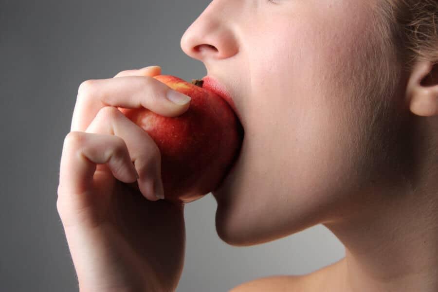 Comer fruta entera reduce el riesgo de padecer diabetes tipo 2