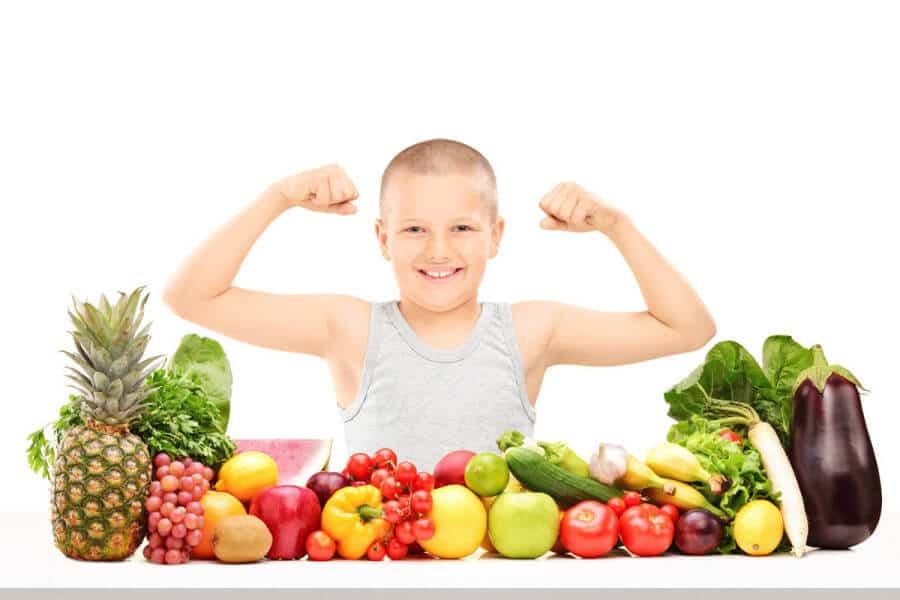El consumo de frutas facilita procesos digestivos, aporta elasticidad a la piel y refuerza el sistema inmunológico.