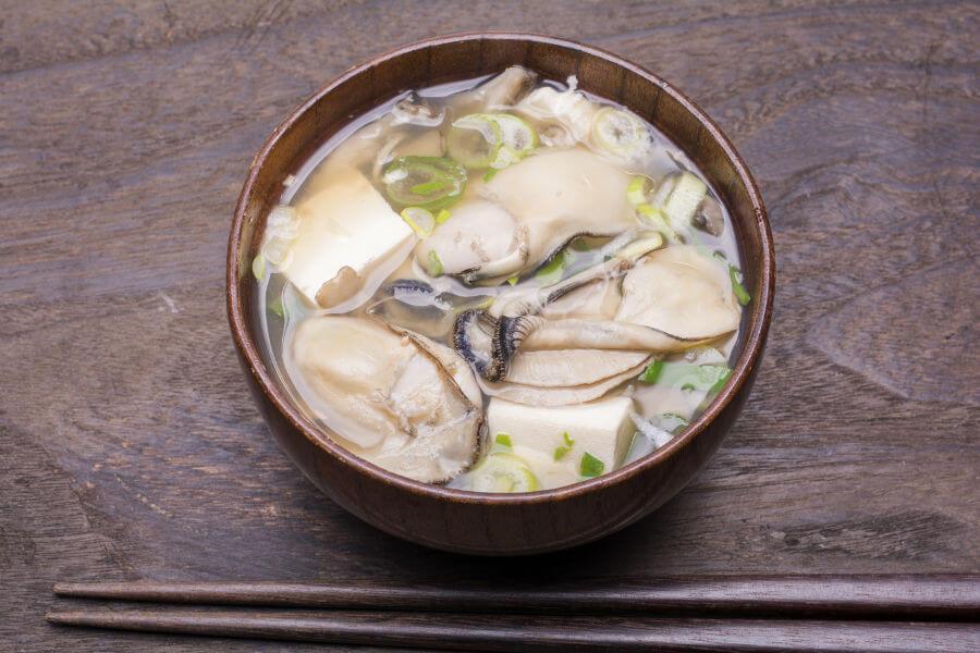 Sopa de miso con carne de ostra