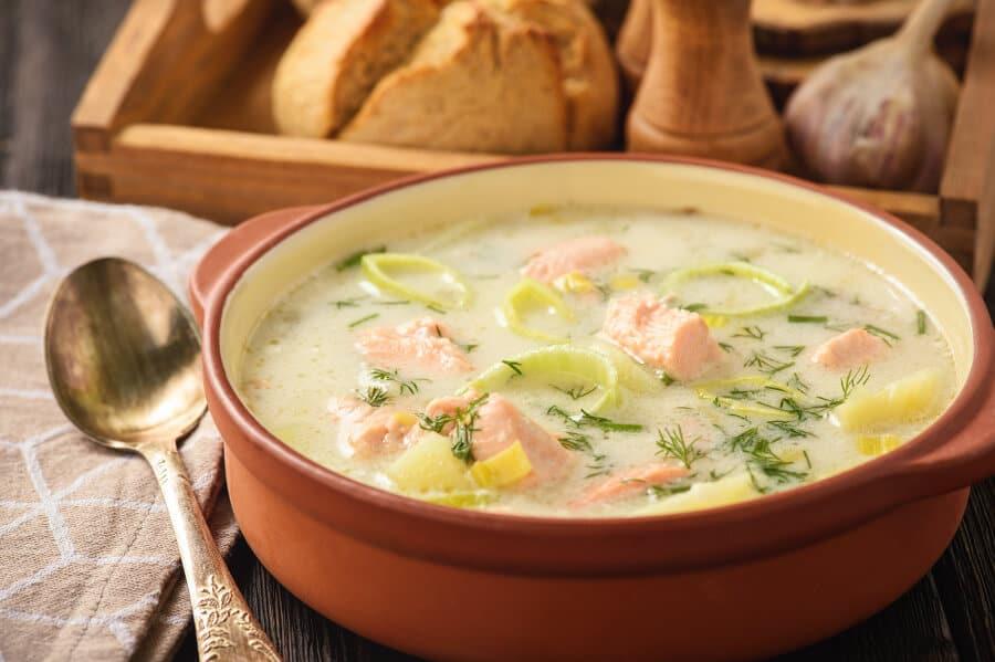 Sopa de puerros y salmon