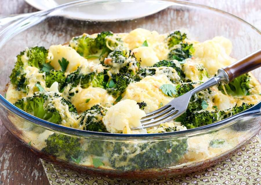 Gratinado de brócoli y coliflor [Receta fácil]