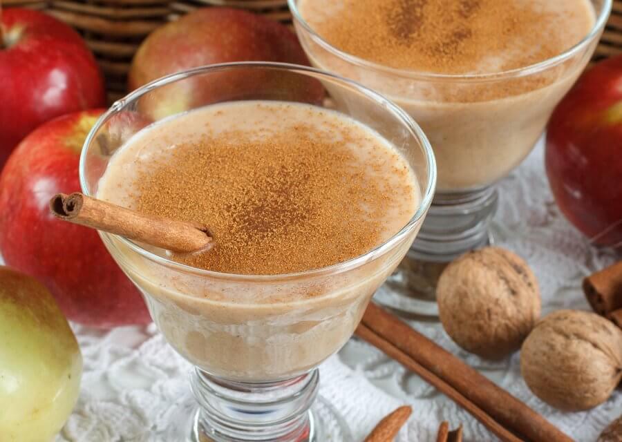 Smoothie de manzana con nueces y canela [Receta fácil y rápida]