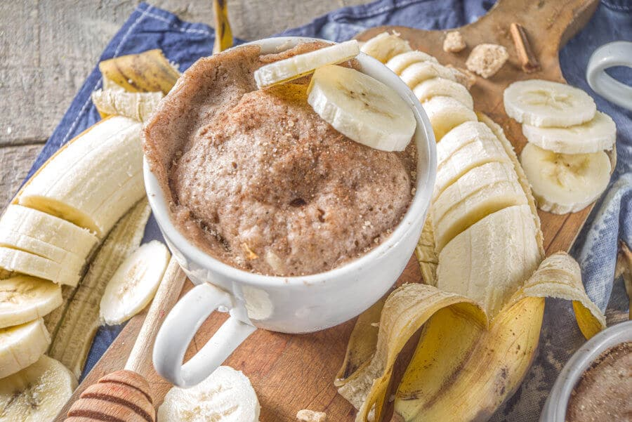 Pan de plátano en taza al microondas
