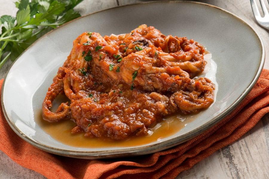 pulpo con salsa de tomate