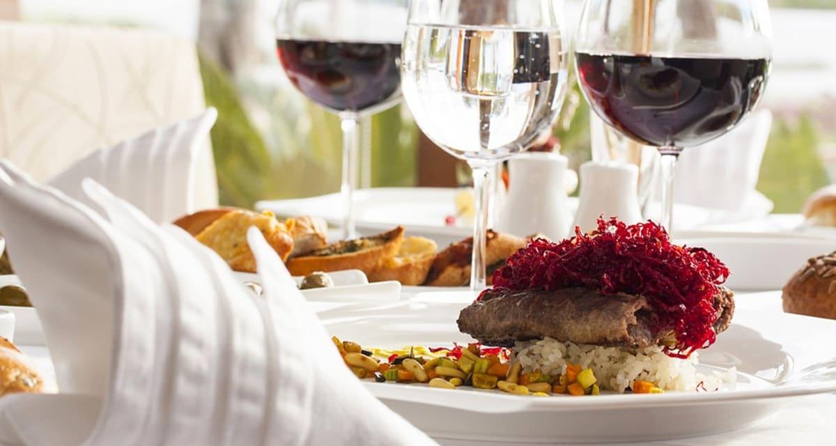 Vinos para maridar comida, ¿cuáles casan mejor con cada alimento?