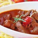 Carne de cerdo en salsa de tomate [receta fácil]