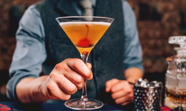 3 datos del clásico cóctel Manhattan que no conocías