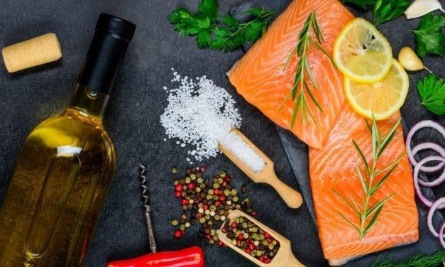 3 ideas de vino blanco para pescado con las que no fallarás